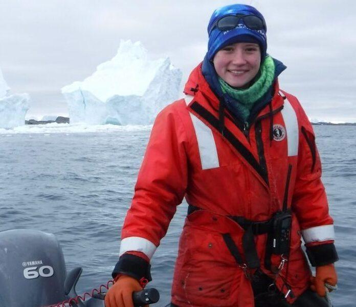Congratulations to Hailey Conrad 2020's Outstanding Senior in Marine Science